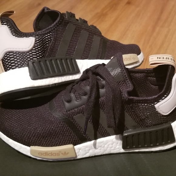 decb21c8d5fba Adidas NMD R1 Women s Size 8 Black Ice purple